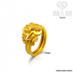 Aesthetic Gold Fancy Ring