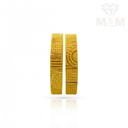 Incisive Gold Fancy Bangles