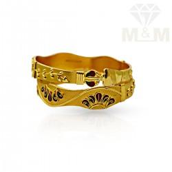 Pleasing Gold Fancy Bangles
