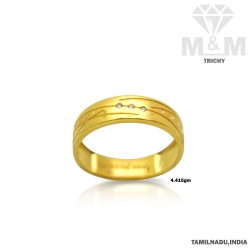 Luxurious Gold Wedding Ring