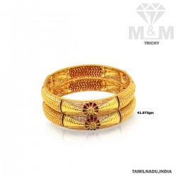 Impressive Gold Fancy Bangle