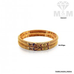 Mannerly Gold Fancy Bangle