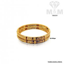 Acclaimed Gold Fancy Bangle