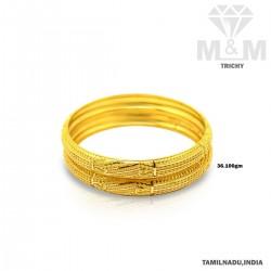 Mesmerizing Gold Fancy Bangle