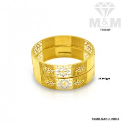 Prodigious Gold Fancy Bangle