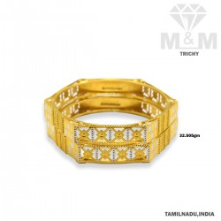 Sumptuous Gold Fancy Bangle