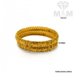 Superduper Gold Fancy Bangle