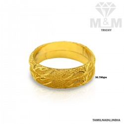Sumptous Gold Fancy Bangle