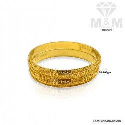 Luxuriant Gold Fancy Bangle