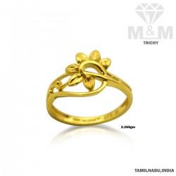 Splendiferous Gold Fancy Ring