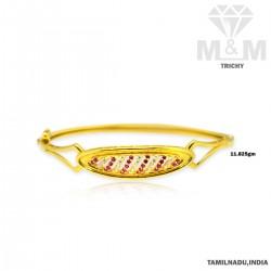 Luxurious Gold Bangle Type...
