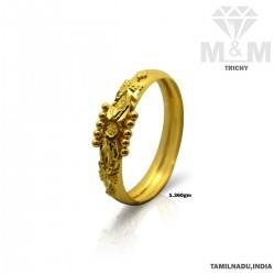 Mesmerizing Gold Fancy Ring