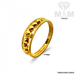 Notable Gold Fancy Ring