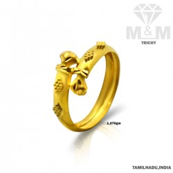Memorable Gold Fancy Ring