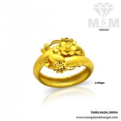 Fine Looking Gold Fancy Ring