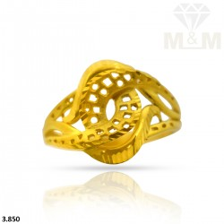 Illustrious Gold Fancy Ring
