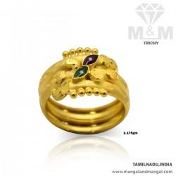 Verdant Gold Women Fancy Ring