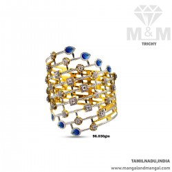 Elegance Gold Broad Bangle