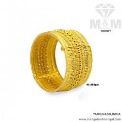 Consummate Gold Broad Bangle