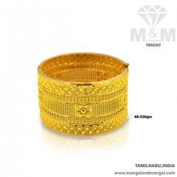 Grandeur Gold Broad Bangle