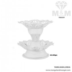 Beauteous Silver Pathi Stand
