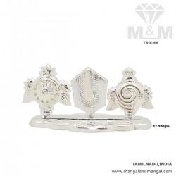 Embellish Silver Pathi Stand