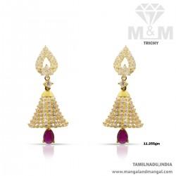 Graceful Gold Women Earring