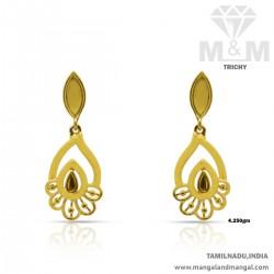 Pretty Gold Women Earring