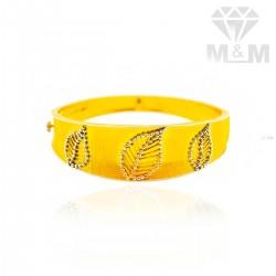 Incisive Gold Fancy Bracelet
