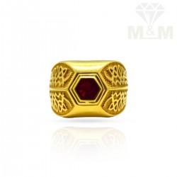 Prestigious Gold Antique Ring