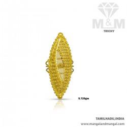 Esthetic Gold Women Fancy Ring