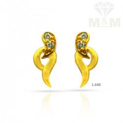 Glamorous Gold Casting Earring