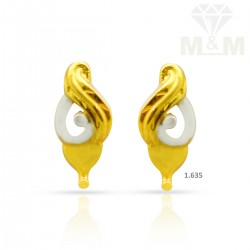 Luxuriant Gold Casting Earring