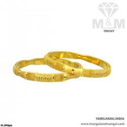 Classy Gold Women Fancy Bangle