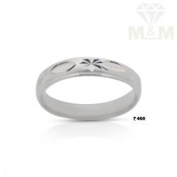 Incisive Silver Wedding Ring