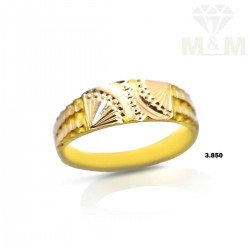 Handsome Gold Wedding Ring