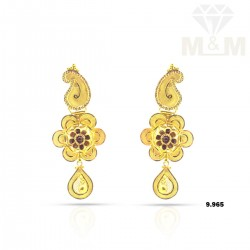 Masterful Gold Fancy Earring