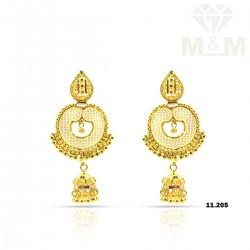 Attractive Gold Fancy Earring