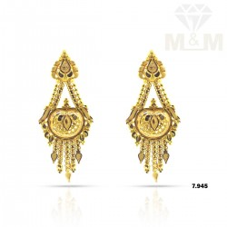 Exemplary Gold Fancy Earring