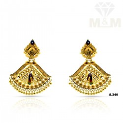 Tasteful Gold Fancy Earring