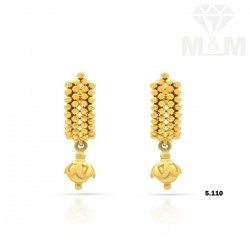 Marvelous Gold Fancy Earring