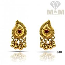 Nice Gold Fancy Earring