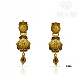 Acclaimed Gold Fancy Earring