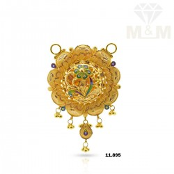 Charming Gold Fancy Pendant