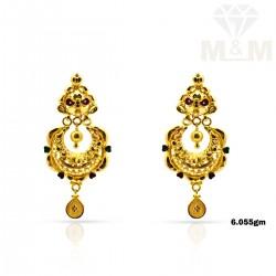 Classy Gold Fancy Earring