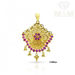 Acclaimed Gold Fancy Pendant