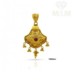 Traditional Gold Fancy Pendant