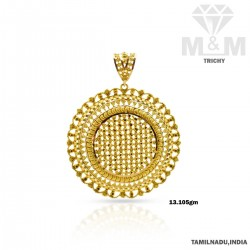 Exemplary Gold Fancy Pendant