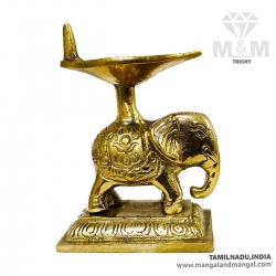 Brass Decorative Yaana Vilakku / Airavata Deepam / Iravath Diya / Yeanugu Lamp / Elephant Vilakku / Oil Lamp on Top of Elephant